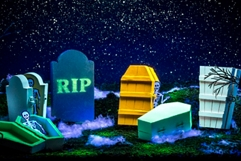 Halloween Graveyard Décor
