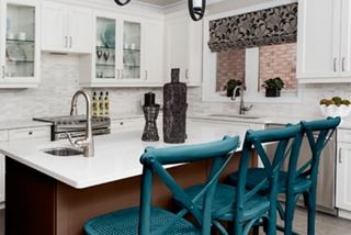 Kitchen Island and Chairs