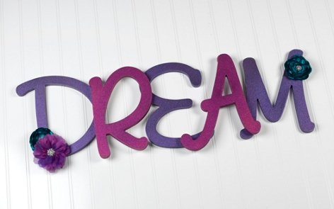 Dream wall art spray paint project