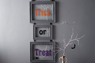 Trick-or-Treat Frame