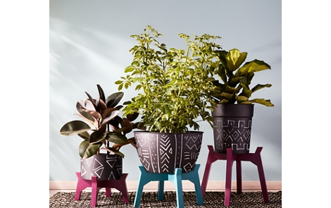 Indoor planters spray paint project