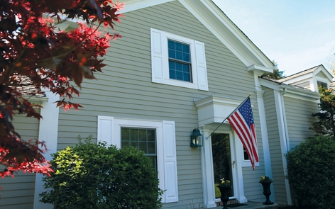 How to paint shutters on a house