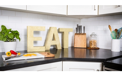 "Kitchen ""eat"" sign project"