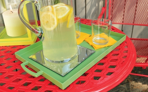 How to Paint a Plastic Beverage Tray