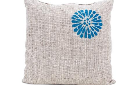 Burlap Pillow Spray Paint Project
