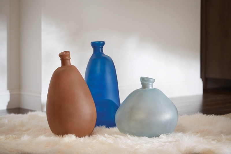 Sea glass vases glass spray paint projects krylon for What kind of paint to use on glass
